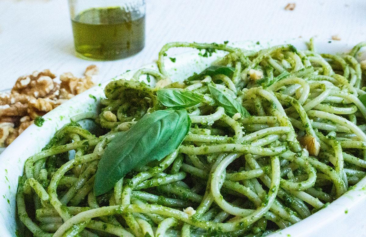 Spaghetti mit Pesto Nahaufnahme