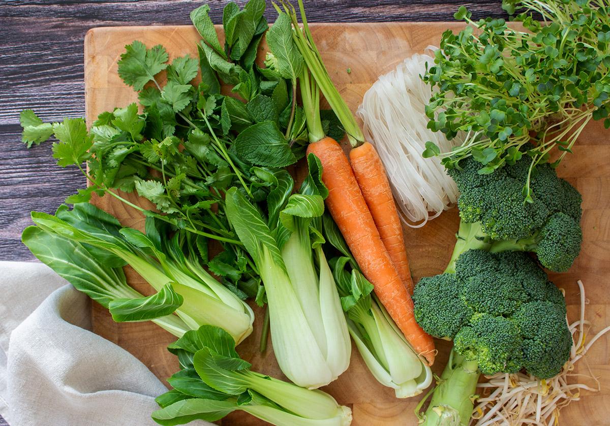 vegane vietnamesische Reisnudelsuppe Zutaten, ingredients vietnamese vegetarian pho