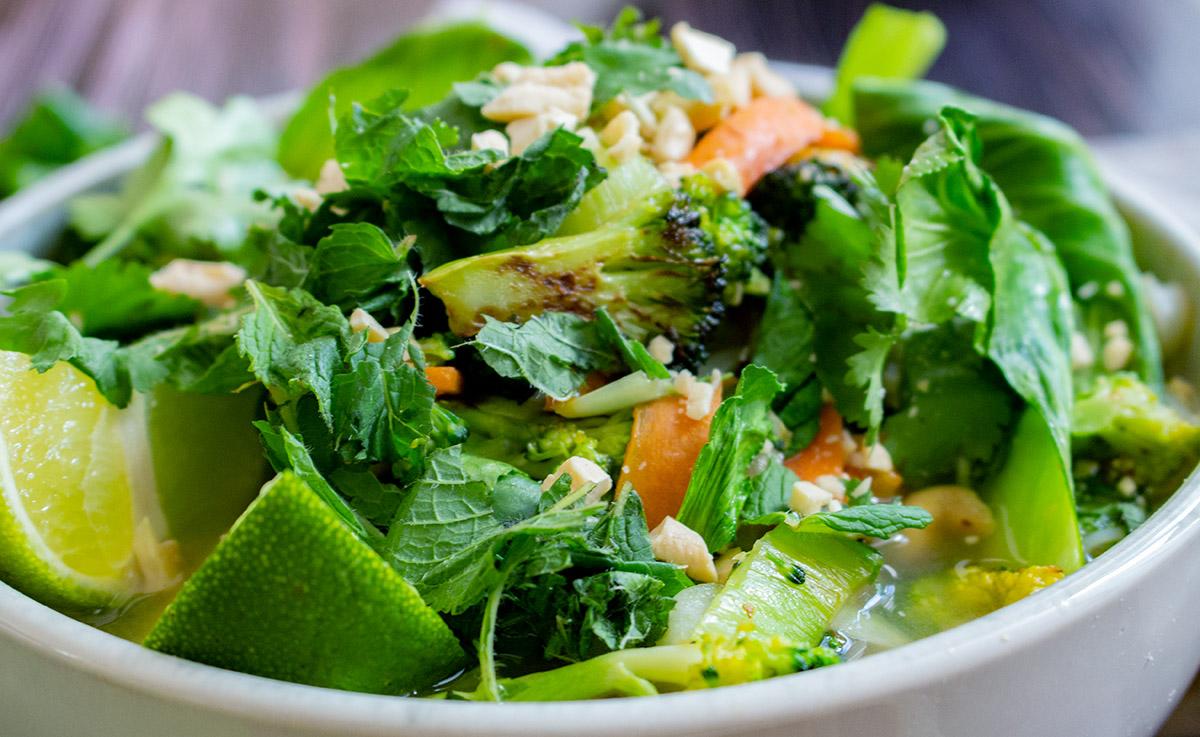 Pho Bo, veganes Pho, vegane vietnamesische Reisnudelsuppe