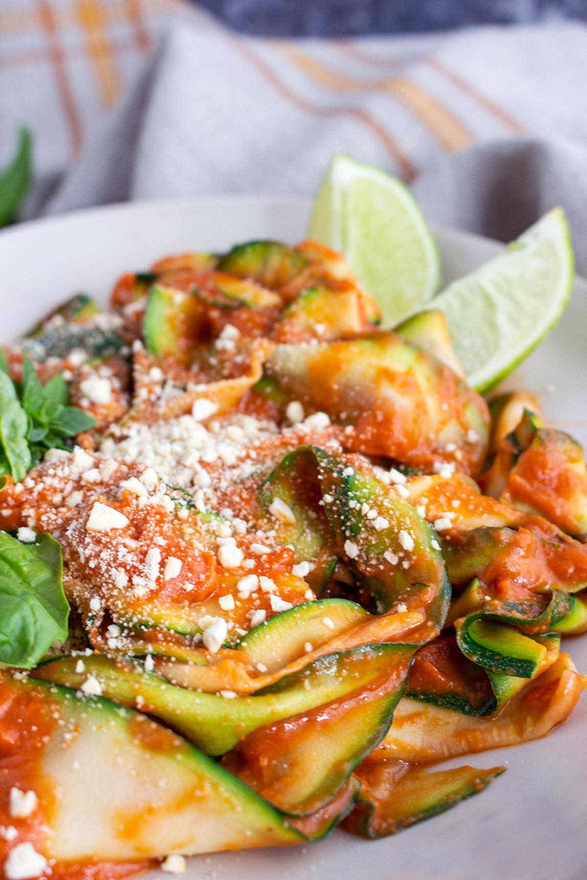 zoodles with tomato sauce, vegan tomato sauce, vegan pasta