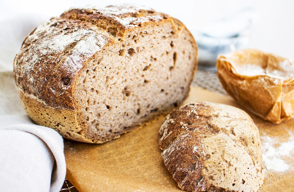 glutenfreies Graubrot, veganes Brot backen, veganes Sauerteigbrot, gluten-free vegan sourdough bread